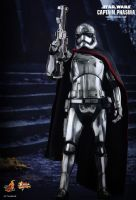 Hot Toys - Star Wars The Force Awakens: Captain Phasma - Movie Masterpiece 1/6 Scale Collectible Figure